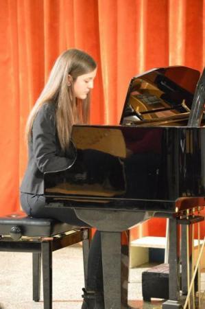 Gyáli Kodály Zoltán AMI, növendékhangverseny, koncert, Gyál, zeneiskola, 1994, Tóth István intézményvezető