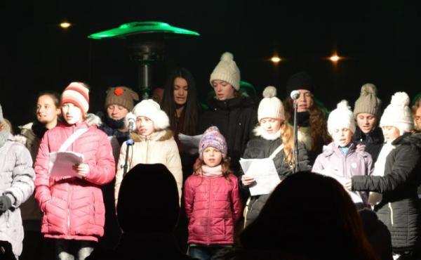 Gyál, énekkar, koncert, Gyáli Kodály Zoltán Alapfokú Művészeti Iskola, Advent Gyálon, Tóth István, énekkar,
