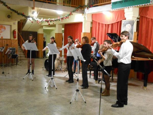 Karácsonyi hangverseny 2013 - Gyáli Kodály Zoltán AMI